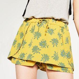 Zara printed yellow and blue layered shorts